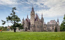 Moszna zamek w Polsce