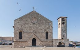 Kościół w porcie Mandraki na wyspie Rodos