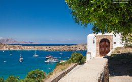Drzwi do domu port w Lindos i zatoka