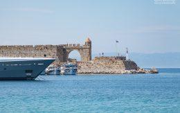 Port w mieście Rodos, Grecja.