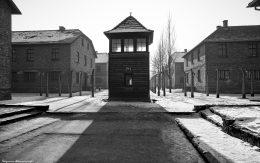 Wieżyczka strażnicza obozu Auschiwtz w Oświęcimiu