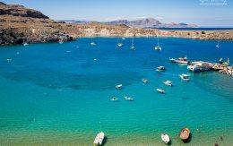 Zatoka w mieście Lindos na wyspie Rodos, Grecja.