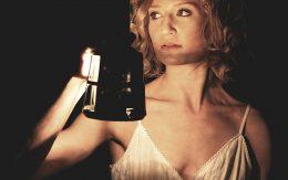 kobieta z lampą Akermanu.