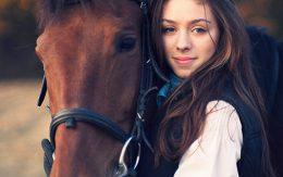Portret dziewczyny z koniem