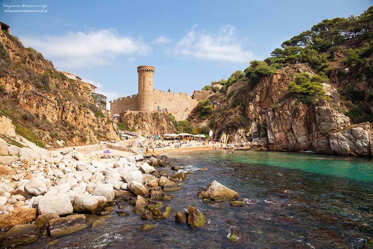 Widok na część zamkową w Tossa de mar