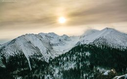 Zachód słońca nad tatrami widok z Gęsiej szyi