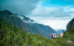 Widok z doliny pięciu stawów.